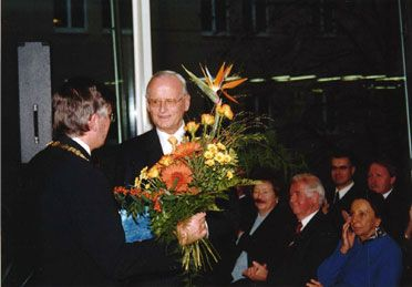 Appointment as honorary professor at the Westsächsische Hochschule Zwickau University of Applied Sciences by its Chancellor, Professor Karl-Friedrich Fischer